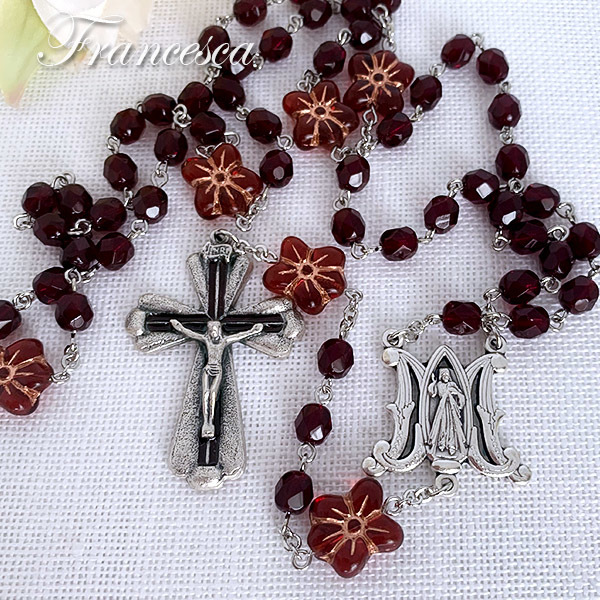 赤い花のロザリオ Rosary with Czech beads –Red Flower