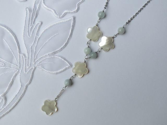 白蝶貝フラワーとアクアマリンのネックレス