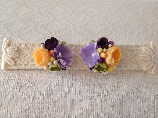 小花のくっつきピアス(山吹&紫&緑)