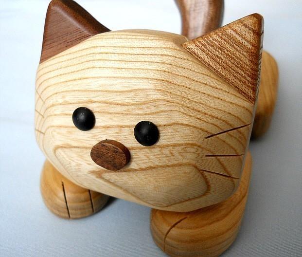 猫の『マイケル』 スマホスタンド(セン材)