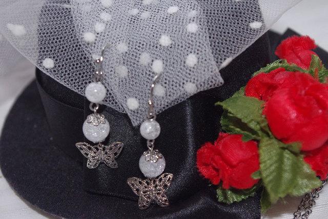 クラック水晶と蝶のピアス