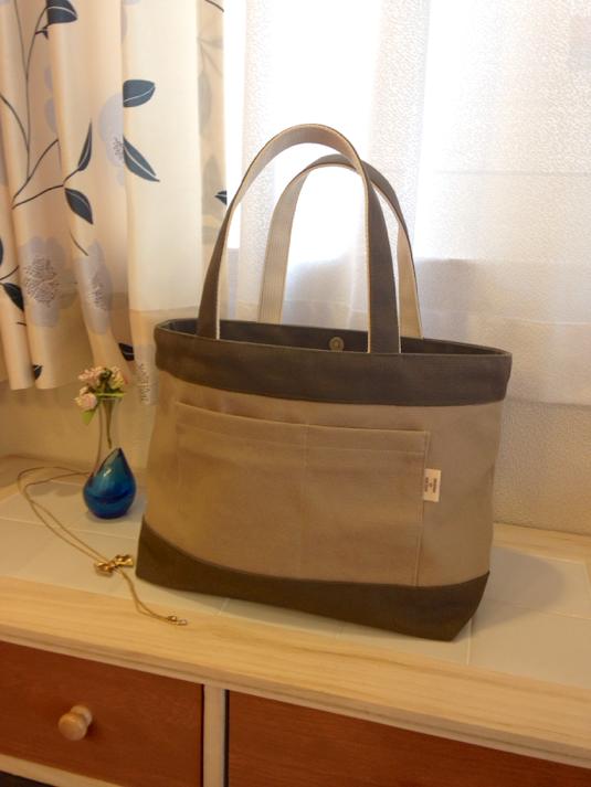 帆布で作ったトートバッグ