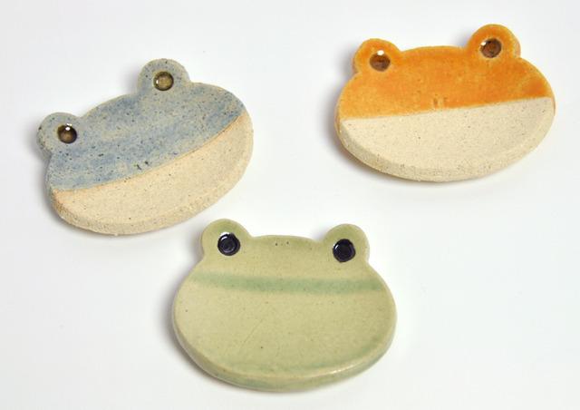 3色カエルの小皿(アオガエルきがえる緑かえる)