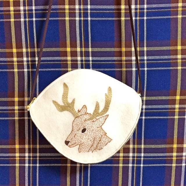 シカ刺繍の子供用ショルダー