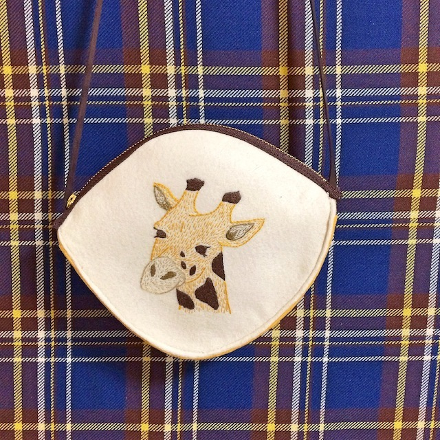 キリン刺繍の子供用ショルダー
