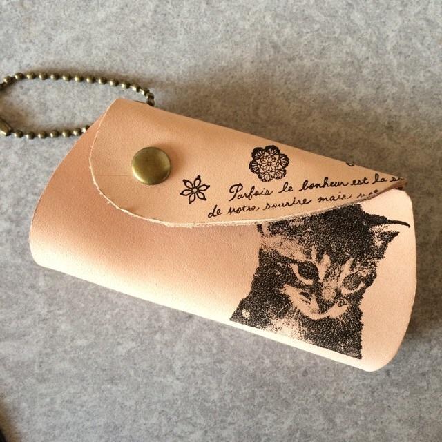 【オーダー品】本革 リアルな猫 アンティーク キーケース