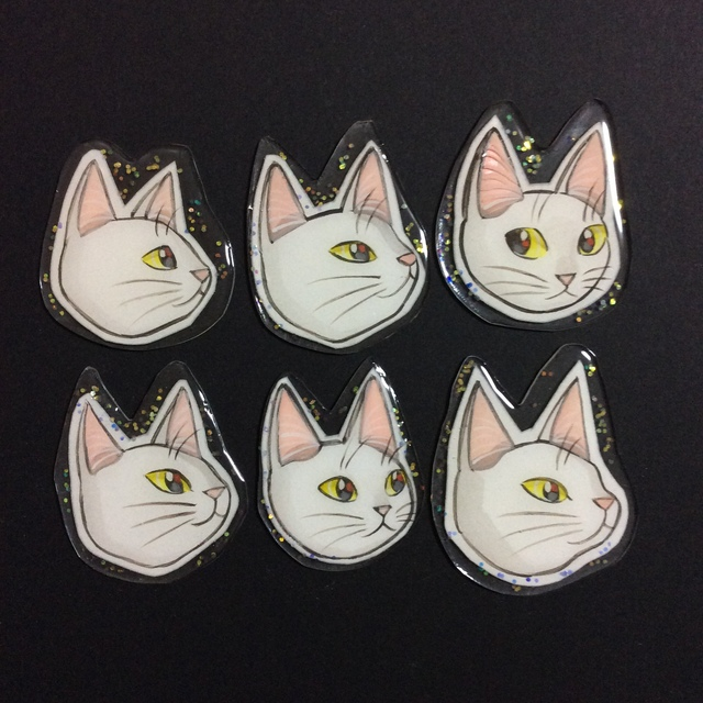 猫 プラバン ブローチ