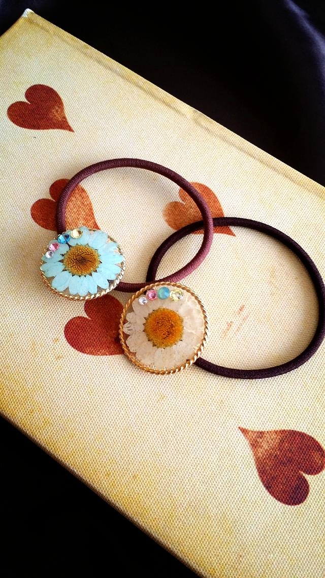 flower*ノースポールのキラキラヘアゴム