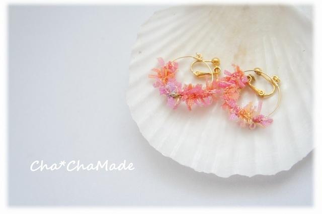 ピンクmixの 毛糸 イヤリング or ピアス