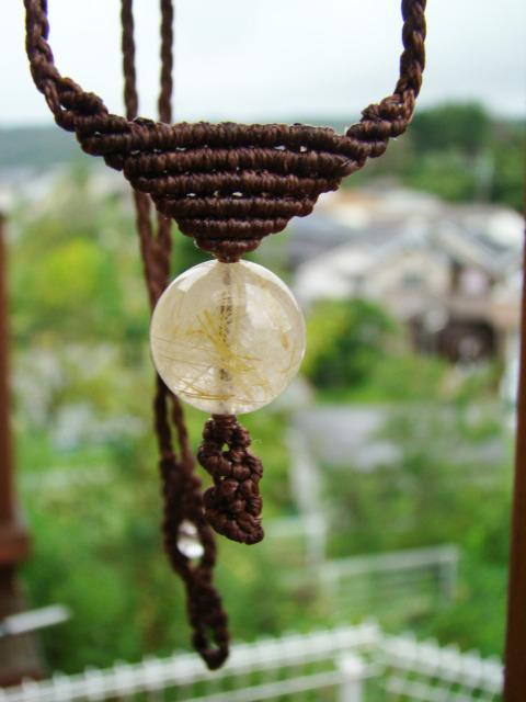 天然石タイチンルチルクォーツ マクラメ編みネックレス