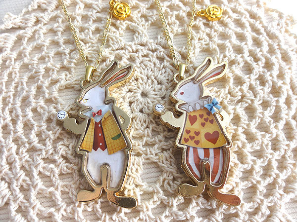 アリスウサギのネックレス