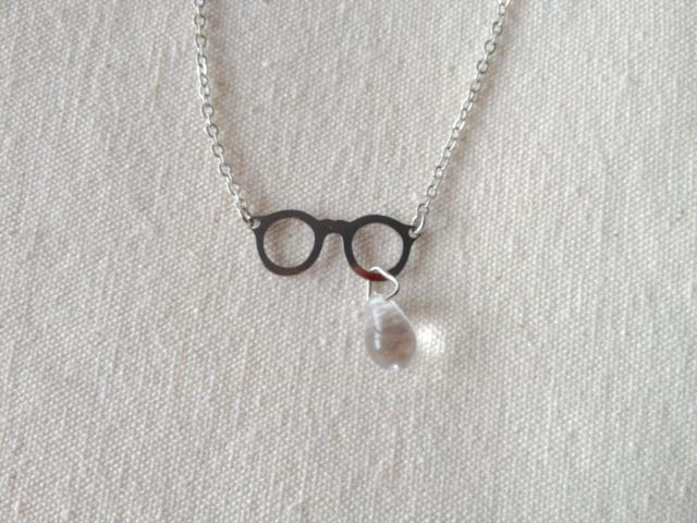 【送料無料】眼鏡のネックレス一粒のなみだ