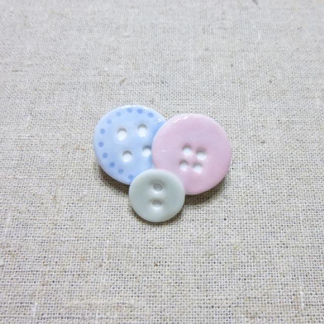 ボタンブローチ*ピンク