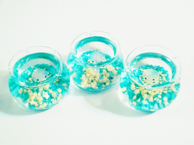 (再販)ぷちアクアリウムくらげちゃん 金魚鉢とクラゲ 蓄光砂