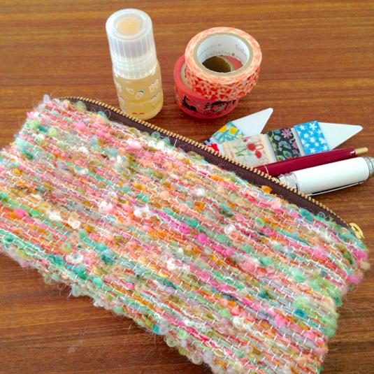 亜熱帯色 引き揃え糸のポーチ