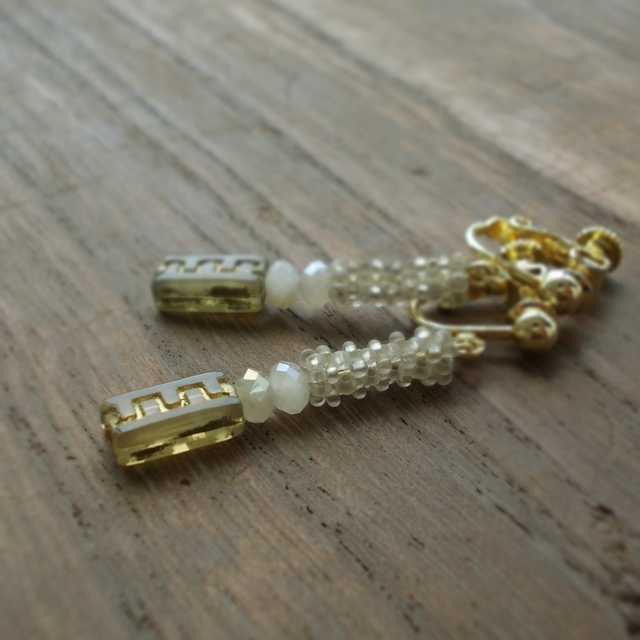 square beads イヤリング
