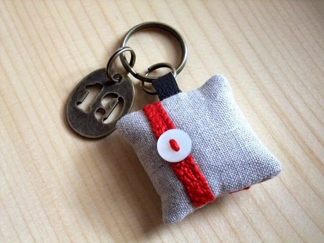 itoiro key ring (red)