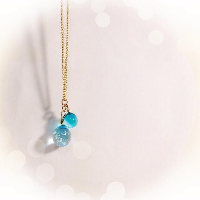 ☆ガラスのしずくのネックレス☆ ブルー