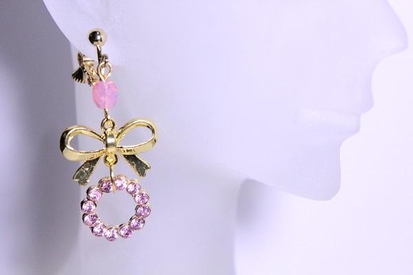リボンとキラキラサークルのイヤリング(ピンク)