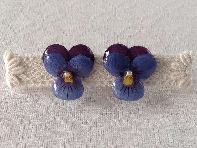 染め花を樹脂加工したビオライヤリング( S・紫&濃青紫)