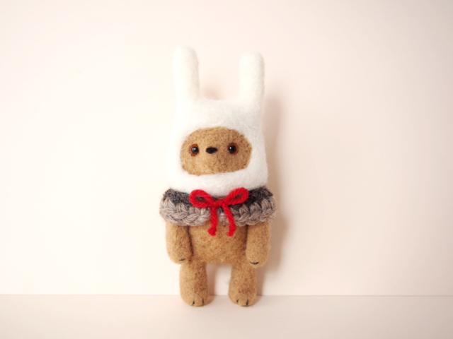 ウサギをかぶったクマ*羊毛フェルト