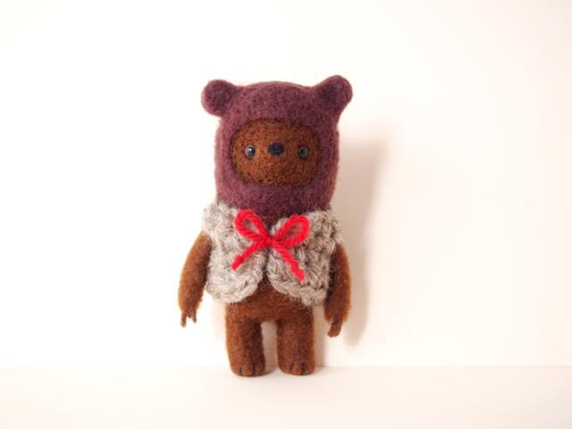 クマをかぶったクマ*羊毛フェルト