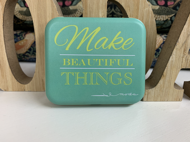moda home「Make Beautiful Things No.15 / Quilter's Gonna Quilt Tin no.18」