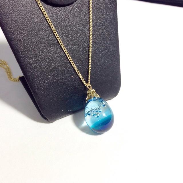 R-107 海のしずく☆ガラス玉のネックレス ブルー