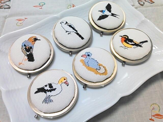 刺繍小物・野鳥のコンパクトミラー(アンティークゴールド)