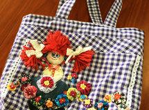 赤髪の女の子トート