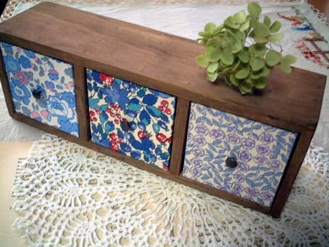 リバティ引き出しつき木製飾り棚Betsy,Esme,Sleepingrose
