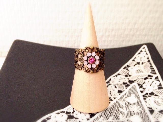Vintage Swarovski Flower 透かしリング(ローズオパール)