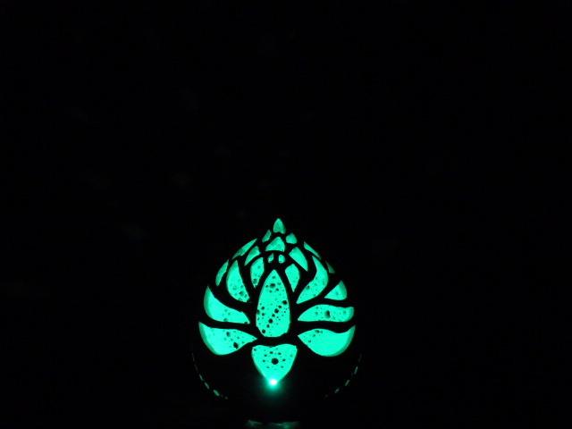 ひょうたんランプ 蓮花モチーフ グラディエーションLED仕様 素ひょうたん