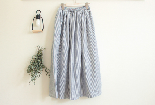 stripe  gathered skirt  ○ navy  ○
