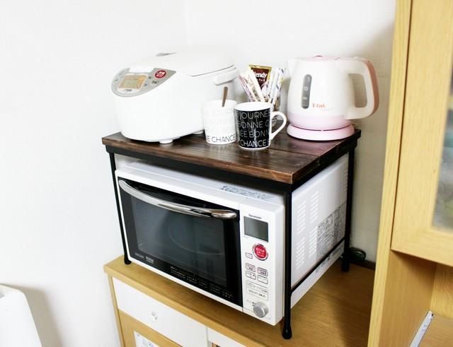 電子 レンジ ラック 電子レンジラックでキッチンがスッキリ!100均の便利アイテムも紹介