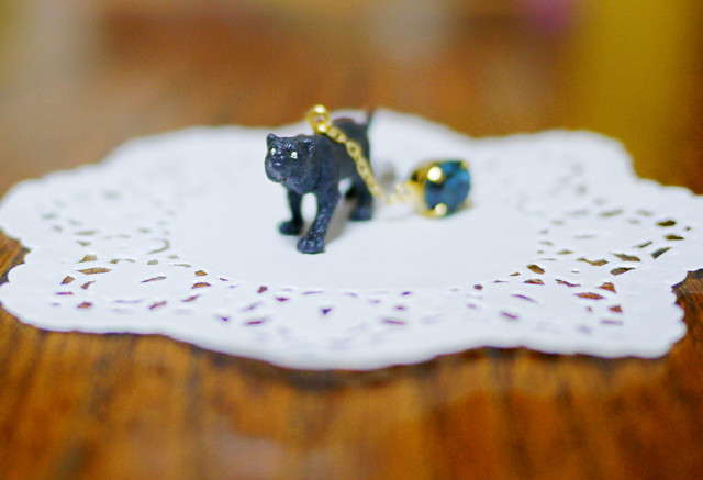 (Sold out)animal片耳ピアス【Black Panther】