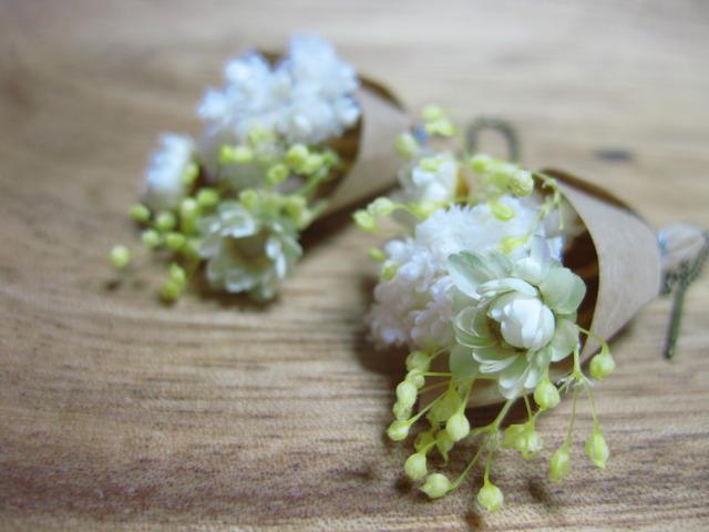 小さいお花がかわいい ブーケのピアス