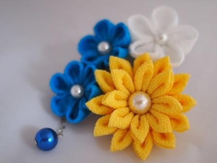 つまみ細工 黄色と青の夏飾り 2W