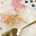 虹色のトランプ柄蝶バレッタ(hair ornament of butterfly with rainbow and playing cards)