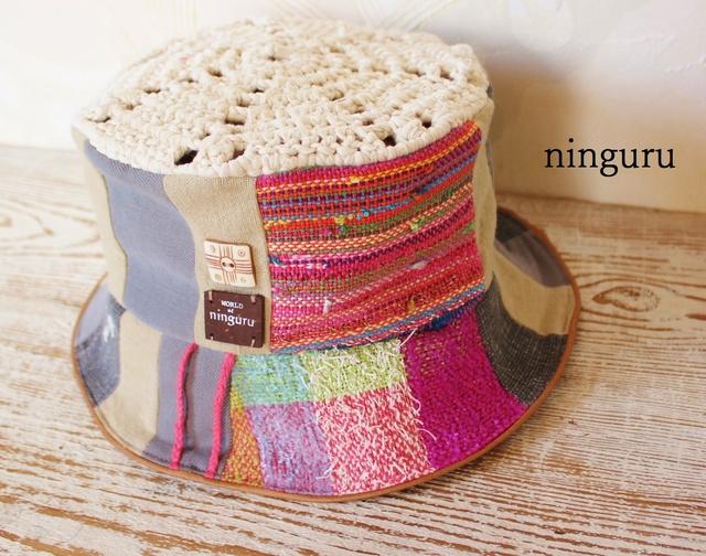 手織りのピンクがきめての HAT