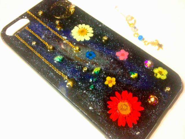 宇宙と花のiPhone5ケース?流れ星のイヤホンジャックセット