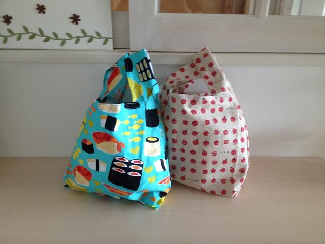 りんごとお寿司のレジ袋みたいなバッグ