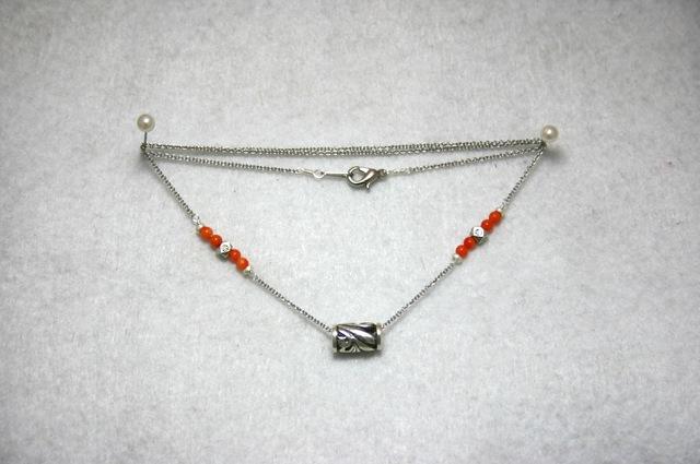 サンゴとシルバーのネックレス