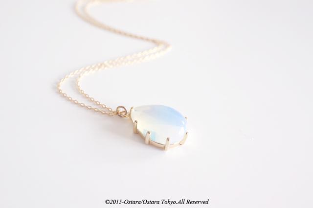 ��14KGF��Necklace 16KGP Teardrop Glass-White Opal-