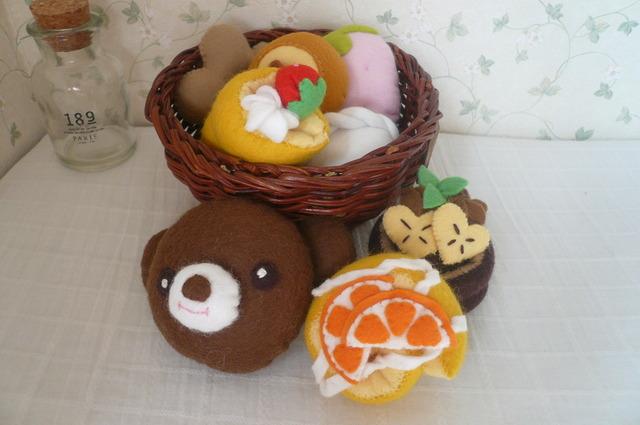 【送料無料】フェルトくまちゃんパン屋さんセット(8個入り)