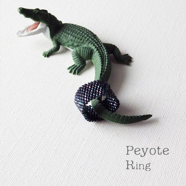 ビーズリング   Iridescent ☆Peyote Ring