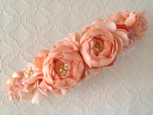 染め花のスリムバレッタ(サーモンピンク)