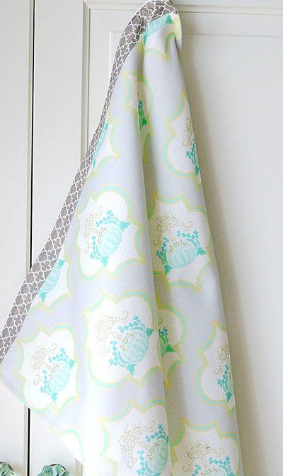 Sale!! 【Ellie&M's fabric】グリーン花モロッコ柄のキッチンマルチカバー