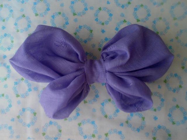 ふんわりちょうちょバレッタ 紫