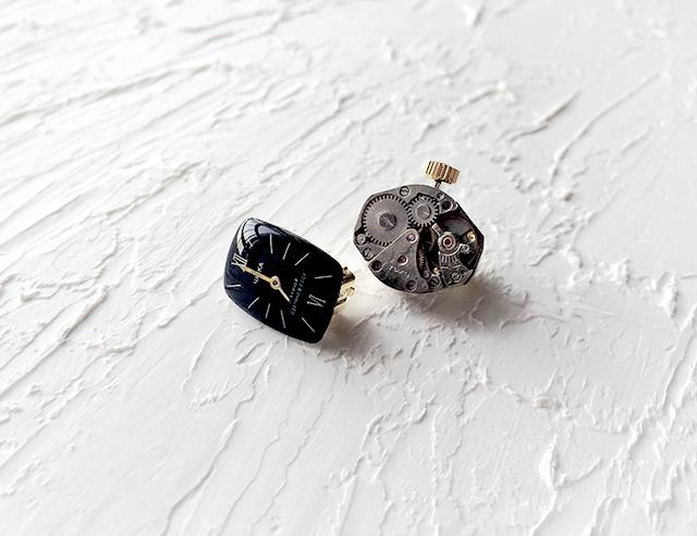 時計石の耳飾り・黒